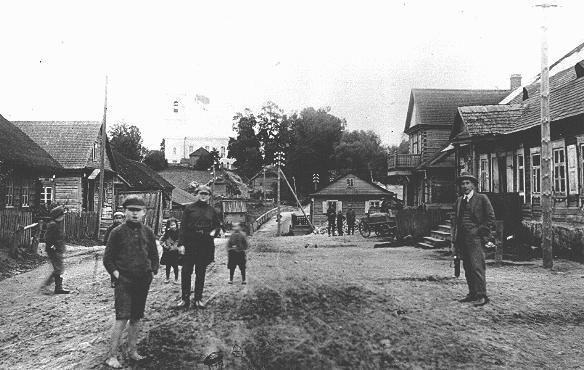 A prewar street scene in Vyzuonos (Wizuny). Lithuania, before September 1939.