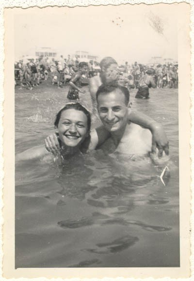 <p>Lisa and Aron in Italy, before they were married. Ostia, Italy, 1945.</p>