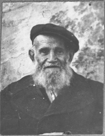<p>Portrait of David Pesso. He was a dealer of second-hand items. He lived at Novatska 4 in Bitola.</p>