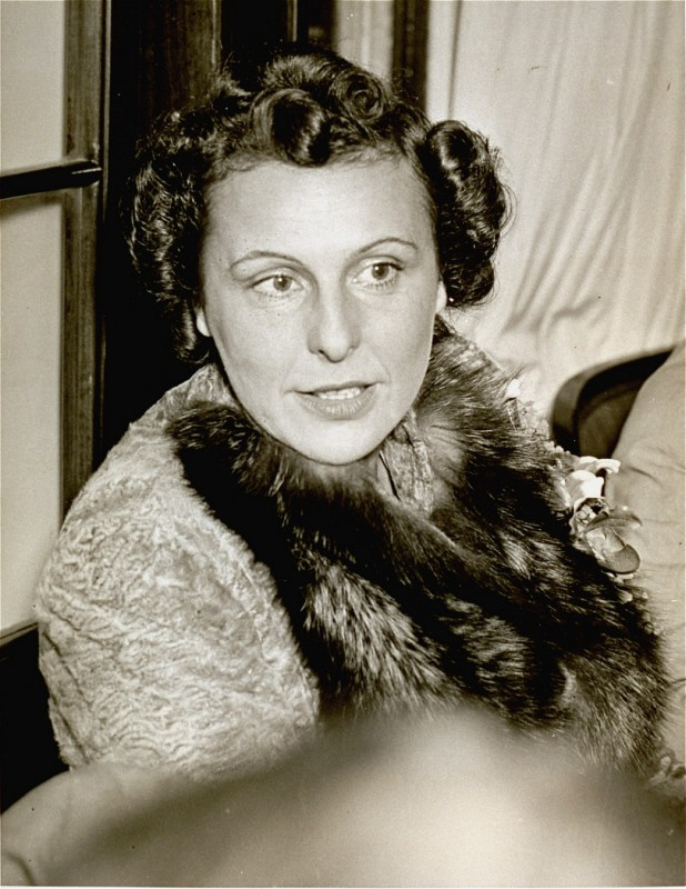 <p>Portrait of Leni Riefenstahl, taken before 1945.</p>