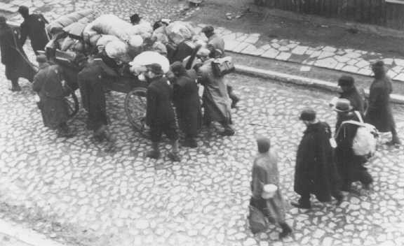 <p>German Jews move into the Lodz ghetto area. Poland, between April 1940 and 1942.</p>