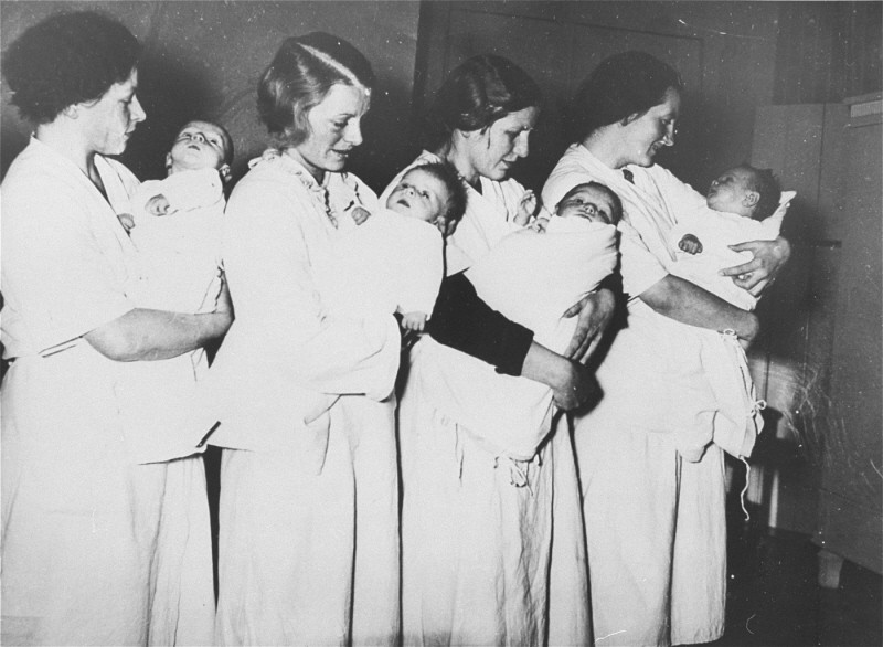 <p>Mothers who have given birth in a National Socialist maternity home wait to have their babies examined by a doctor. Fuerstenberg, Germany, March 28, 1937.</p>