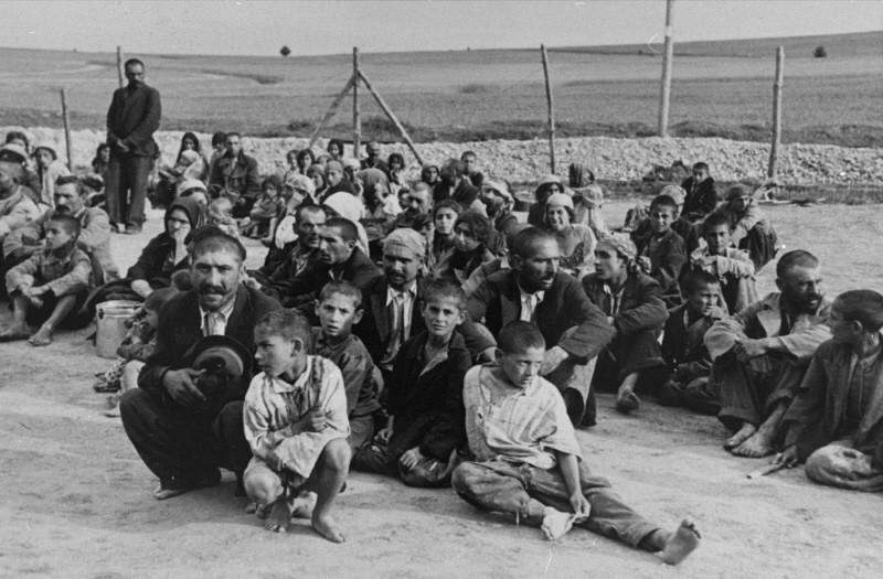 Romani (Gypsy) prisoners in Belzec labor camp. Poland, 1940.