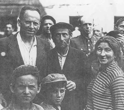 <p>Polish Jews, who had escaped the Germans by fleeing to the Soviet Union, upon their return to Poland after World War II. Poland, 1946.</p>