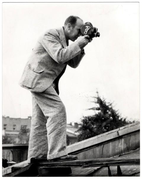 Julien Bryan films the German invasion of Warsaw in 1939.