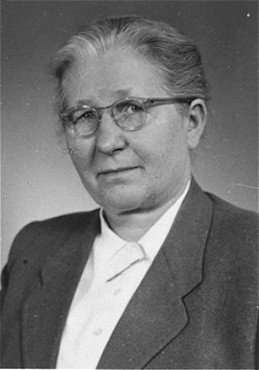 Hilda Kusserow, a Jehovah's Witness, was imprisoned for nine years for her religious beliefs. [LCID: 68370]