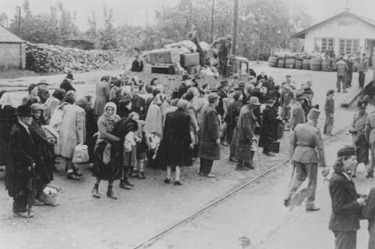 Deportation of Jews. Koszeg, Hungary, July 1944. [LCID: 68628b]