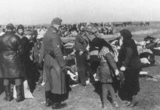 Ukrainian Jews who were forced to undress before they were massacred by Einsatzgruppe detachments. [LCID: 83022]