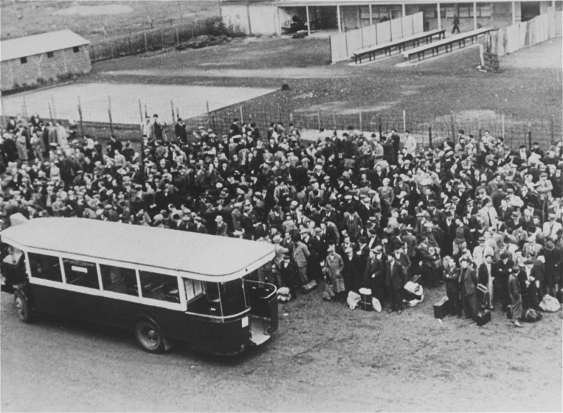 <p>Jews arrive at the Drancy transit camp by bus. France, 1942–44.</p>