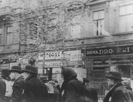 <p>Elderly Jews are transferred from their assigned houses to a ghetto area. Budapest, Hungary, November or December 1944.</p>