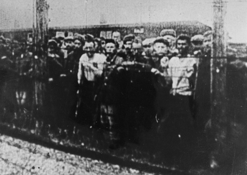 <p>Soviet prisoners of war, survivors of the Majdanek camp, at the camp's liberation. Poland, July 1944.</p>