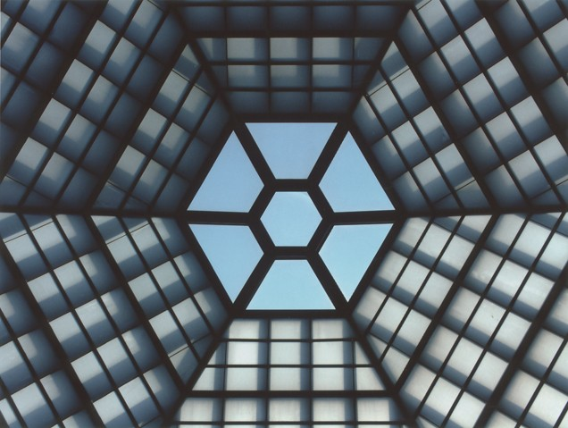 View of the six-sided skylight in the Hall of Remembrance at the United States Holocaust Memorial Museum. [LCID: n09377]