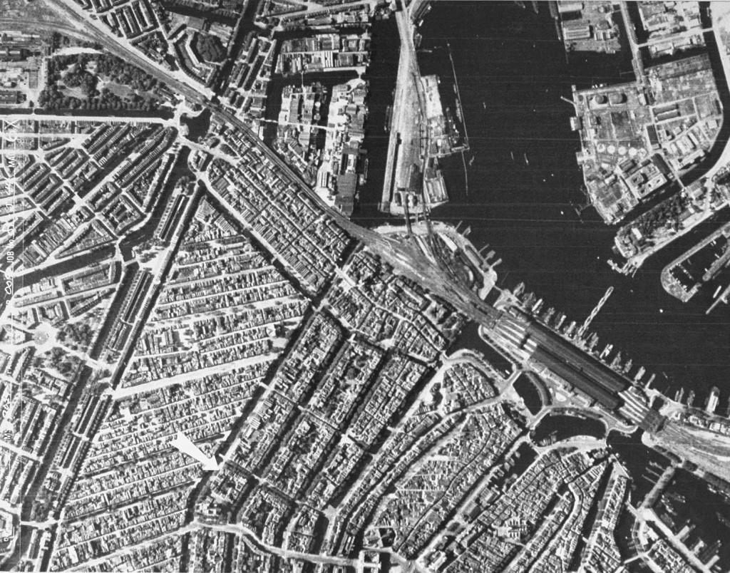 An aerial view of Amsterdam during the German occupation. [LCID: 04401]