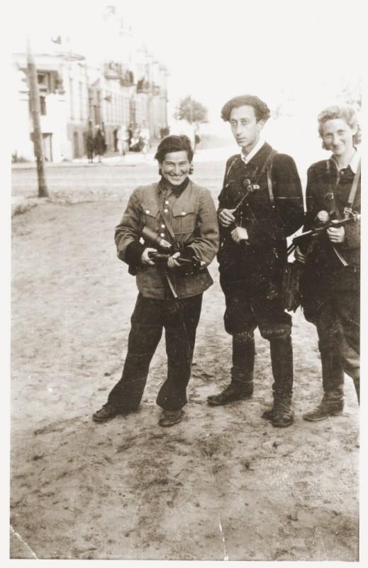 Jewish partisans Rozka Korczak (left), Abba Kovner, and Vitka Kempner in Vilna after the city was liberated. [LCID: 76842]