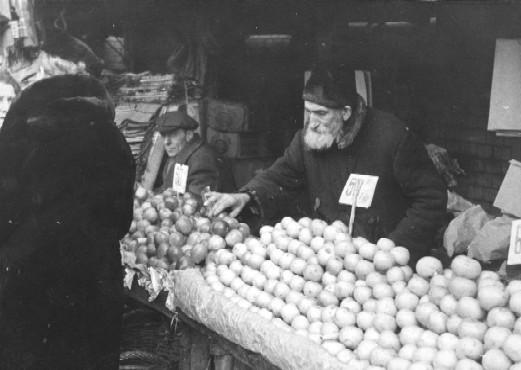 The market in the Jewish quarter, prewar. Warsaw