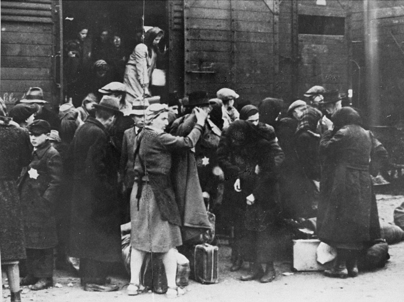 "<p>A transport of Jews from <a href=""/narrative/6229"">Hungary</a> arrives at Auschwitz-Birkenau. Poland, May 1944.</p>"