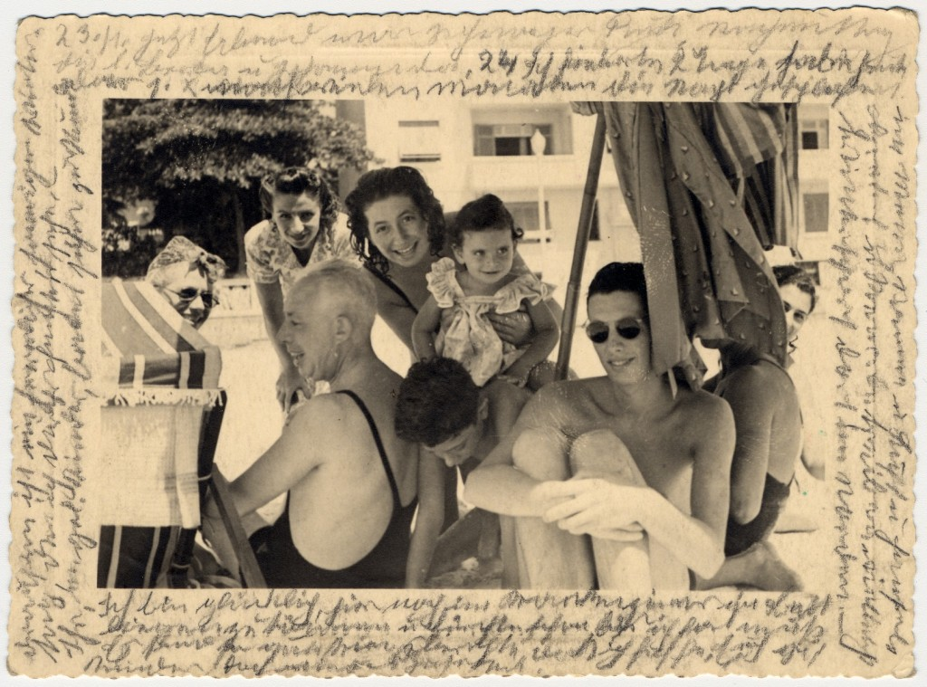 Photograph showing Helene Reik's family members and friends gathered in March 1941 in Brazil.