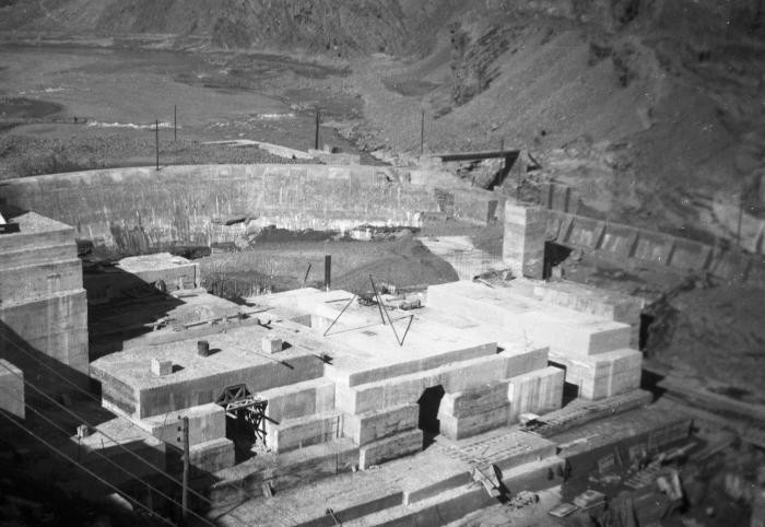 <p>View of the dam being built by forced laborers from the Im Fout labor camp in Morocco. Photograph taken 1941-42. </p>