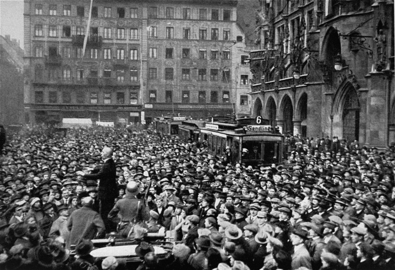 A large crowd gathers in front of the Rathaus to hear the exhortations of Julius Streicher during the Beer Hall Putsch, Hitler's ... [LCID: 06830]