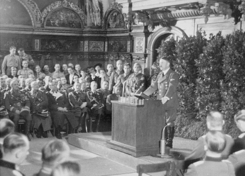 Adolf Hitler addresses German officers after the occupation of Danzig. [LCID: 20349]