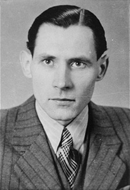 Karl-Heinz Kusserow, a Jehovah's witness who was imprisoned by the Nazis because of his beliefs. [LCID: 68373]