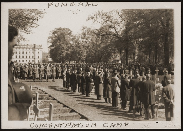 After the liberation of the Wöbbelin camp, US troops forced the townspeople of Ludwigslust to bury the bodies of prisoners killed ... [LCID: 09258]