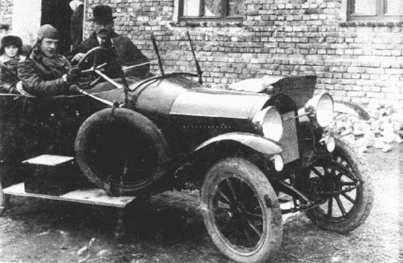 "<p><a href=""/narrative/7526"">Oskar Schindler</a> (at wheel) with his father, Hans. Svitavy (Zwittau), Czechoslovakia, 1929.</p>"