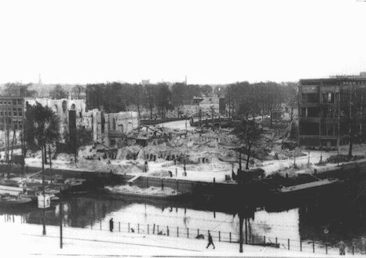 """<p>View of Rotterdam after bombing by the German Luftwaffe in May 1940. Rotterdam, the <a href=""""/narrative/5566/en"""">Netherlands</a>, 1940.</p>"""