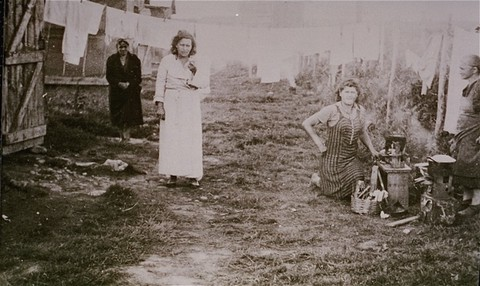 <p>Jewish women prisoners in the Gurs camp. Gurs, France, ca. 1943.</p>