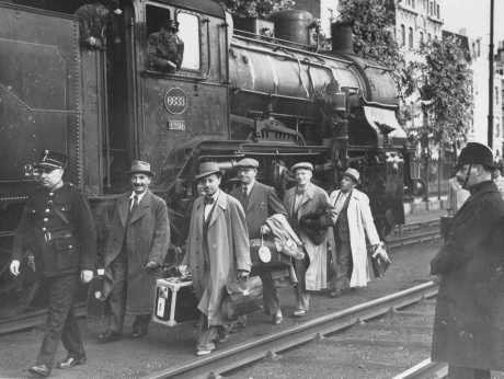 "Belgium agreed to accept some of the Jewish refugee passengers of the ""St. [LCID: 69261a]"