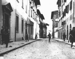 "<p>French partisans patrol an unidentified town. <a href=""/narrative/4997/en"">France</a>, 1944–45.</p>"