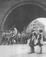 "<p>Members of the SA enter <a href=""/narrative/5616/en"">Danzig</a> in 1939.</p>
