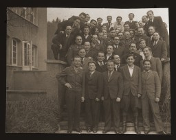 Group portrait at the Heidenheim DP camp