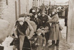<p>Scene during the deportation of Jews from Lublin. 1942. </p>