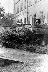"<p>View of the manor house in Chelmno that became the site of the <a href=""/narrative/3852/en"">Chelmno</a> <a href=""/narrative/2746/en"">killing center</a>. Chelmno, Poland, 1939.</p>"