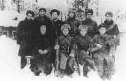 <p>Partisans juifs dans la région de Polésie. Pologne, 1943.</p>
