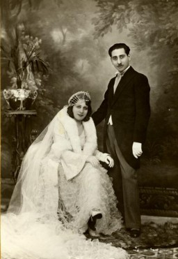 <p>Prewar wedding portrait of Reine and Yishua Ghozlan in Constantine, Algeria, on March 29, 1932.</p>