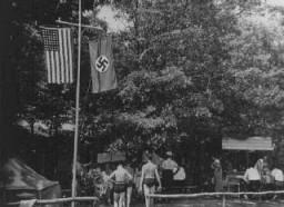 """Camp d'été à Long Island pour les jeunes membres du """"German-American Bund"""", un parti américain pro-nazi."""