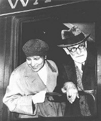 "<p><a href=""/narrative/11596"">Sigmund Freud</a> and daughter Anna in Paris, en route to exile in England. June 1938.</p>"