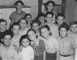 Jewish orphans after the war