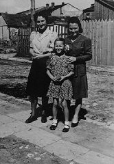 Laura Schwarzwald, her daughter Selma, and Laura's sister, Adela Litwak, in Busko-Zdroj.