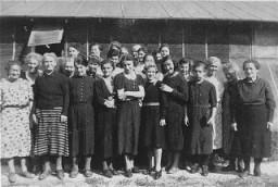 "<p>Prisoners at the <a href=""/narrative/4842"">Gurs</a> detention camp. Gurs, France, ca. April 1941.</p>"