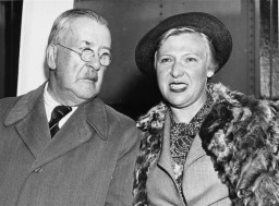 Heinrich Mann and his wife arrive in New Jersey aboard the SS Nea Hellas along with fourteen other refugee writers and their families.