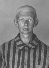 <p>Identification picture of a prisoner, accused of homosexuality, who arrived at the Auschwitz camp on May 28, 1941. Auschwitz, Poland.</p>