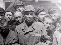 <p>A former US prisoner of war (POW), United States Navy Lieutenant Jack Taylor, testifies to the treatment he and other American POWs received in the Mauthausen concentration camp in Austria.</p>