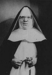 "<p>Portrait of Mother Superior Alfonse, who hid Jewish children from the Nazis in the Dominican Convent of Lubbeek near Hasselt. Yad Vashem recognized her as <a href=""/narrative/11778/en"">Righteous Among the Nations</a>. Belgium, wartime</p>"