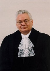 Formal portrait of Judge Thomas Buergenthal