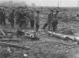 "<p>After the <a href=""/narrative/2317/en"">liberation</a> of <a href=""/narrative/4909/en"">Dora-Mittelbau</a>, local German residents were required to bury the bodies of victims of the camp. Dora-Mittelbau, Germany, April 13–14, 1945.</p>"