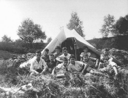 <p>The Reich Union of Jewish Frontline Soldiers organized summer camps and sports activities for Jewish children. Germany, between 1934 and 1936.</p>