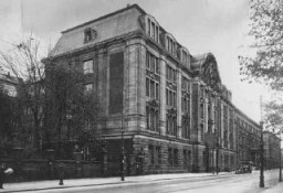 "<p>Headquarters of the Nazi <a href=""/narrative/11779/en"">Gestapo</a> (secret state police) and of the Reich Security Main Office (RSHA). Berlin, Germany, date uncertain.</p>"